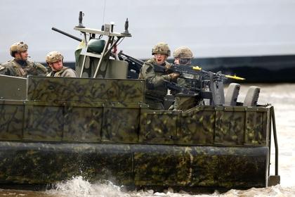 Британия направит 100 спецназовцев на защиту танкеров