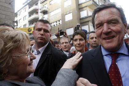 Бывшего канцлера Германии пригласили в Крым