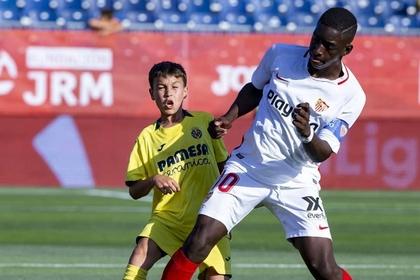 В сети усомнились в возрасте 12-летнего футболиста ростом 175 сантиметров