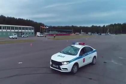 Российские полицейские хотели развернуться и сделали сальто на автомобиле