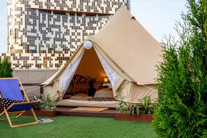 Москвичам предложили ночевать в палатке