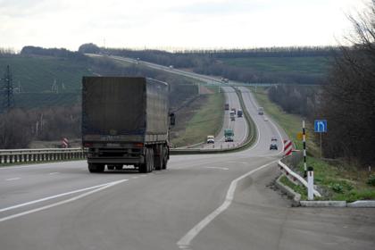 На российской трассе нанесли 40-километровую сплошную линию