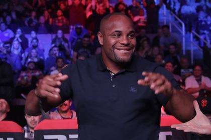 Лучший боец UFC приготовился к последнему поединку