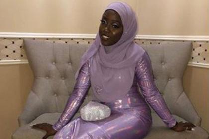 Отец-мусульманин сшил дочери платье на выпускной и прославился