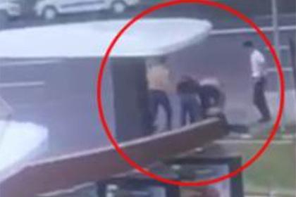 Появилось видео массовой драки в Москве