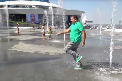 Саакашвили вслед за Зеленским порезвился вфонтане