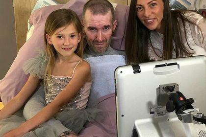 Смертельно больной экс-футболист «Зенита» устроил праздник для дочери в хосписе