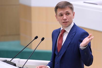 Министр ответил на слухи об отключении России от мирового интернета