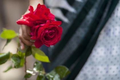 Муж запретил жене пойти на похороны любовника и нашел поддержку в сети