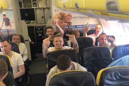 Пассажирка самолета публично унизила оскорблявших ее попутчиков