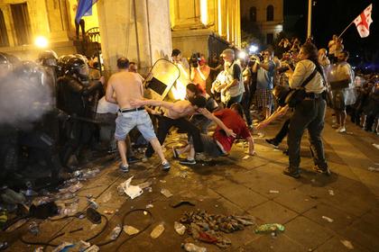 Полицейские в Грузии пострадали в массовой драке