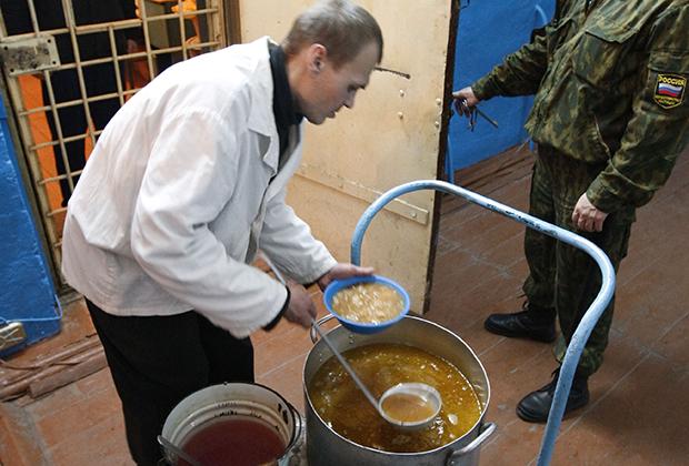 Прием пищи осужденными ИТК-5 «Вологодский пятак»