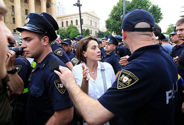 https://icdn.lenta.ru/images/2019/06/21/18/20190621183315666/pic_32bfb5ee447cb8ce5106871e06ce8c73.jpg
