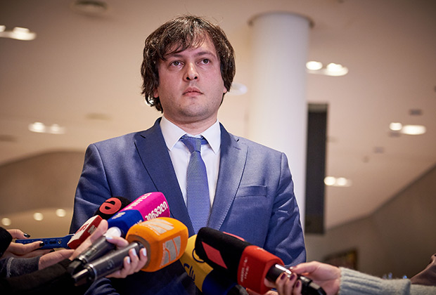 https://icdn.lenta.ru/images/2019/06/21/18/20190621183941795/pic_f7dc14402e014027e7099a44c466c425.jpg