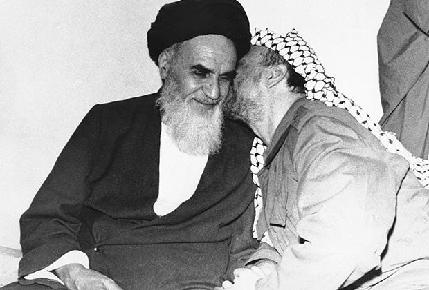 Аятолла Хомейни и палестинский лидер Ясир Арафат