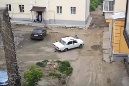 Российский майор пробуксовал на своем обидчике