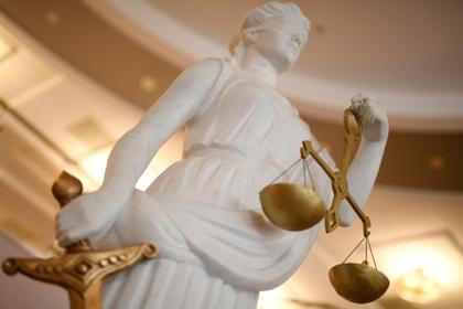 Майор ФСБ пил от тоски, вылетел со службы и дошел до суда