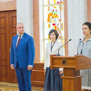 Игорь Додон, Майя Санду, Олеся Стамате (слева направо)