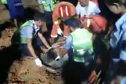 Водитель сорвался с высоты 150 метров и отделался переломом руки