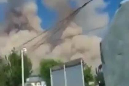 Казахстанский военный записал видео для родных под взрывы боеприпасов