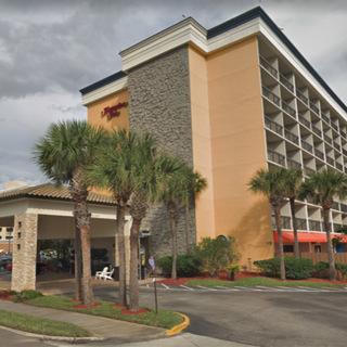 Отель Hampton Inn