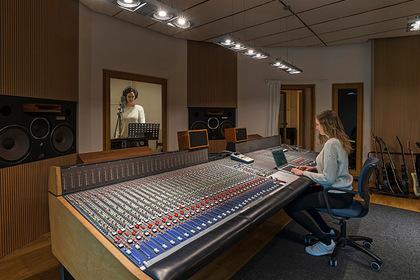250 музыкальных компаний обязались достичь гендерного баланса к 2022 году