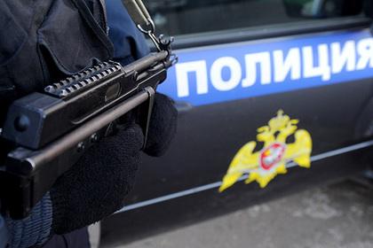В Сибири киллеры на Nissan расстреляли пассажира у автобусной остановки