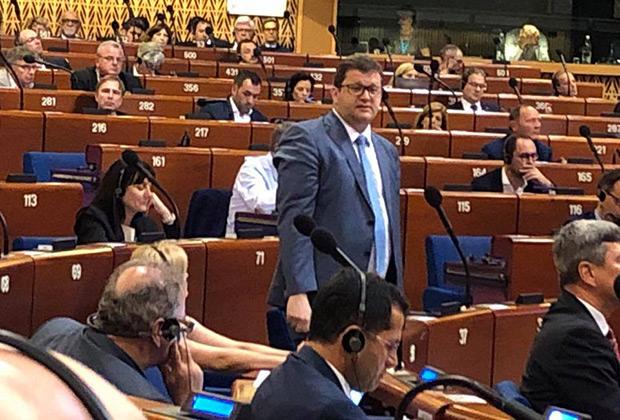 Глава делегации Украины Владимир Арьев