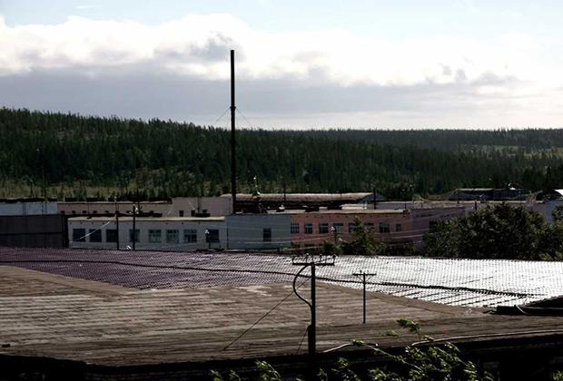 ИК-18 «Полярная сова» в поселке Харп