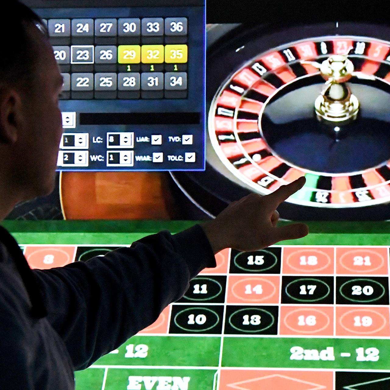 Реклама казино в сми помещения под игровые автоматы