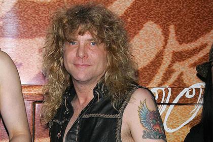 Бывший барабанщик Guns N' Roses госпитализирован с ножевым ранением