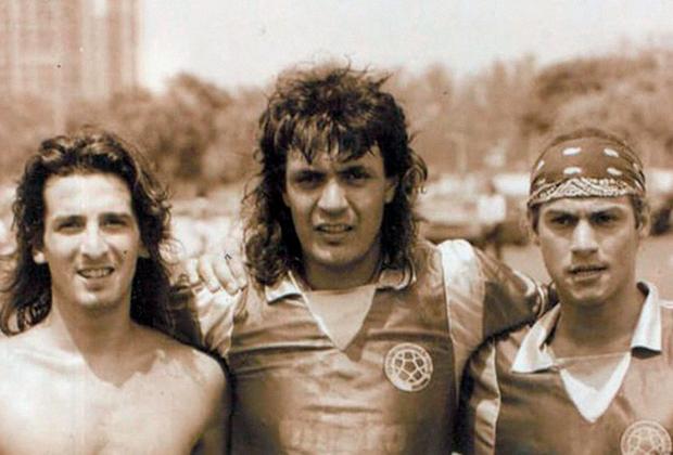 Карлос Кайзер (в центре)