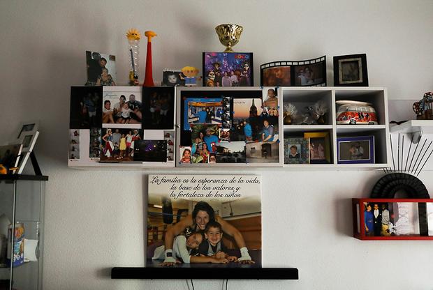 На самом видном месте в гостиной Мириам повесила фотографию с тренировки в обнимку с детьми. Снимок подписан словами: «Семья — надежда жизни и залог счастья для детей». Дочь и сын Гутьеррес вдохновились примером матери и занялись спортом. Правда, они выбрали не бокс, а легкую атлетику и дзюдо.