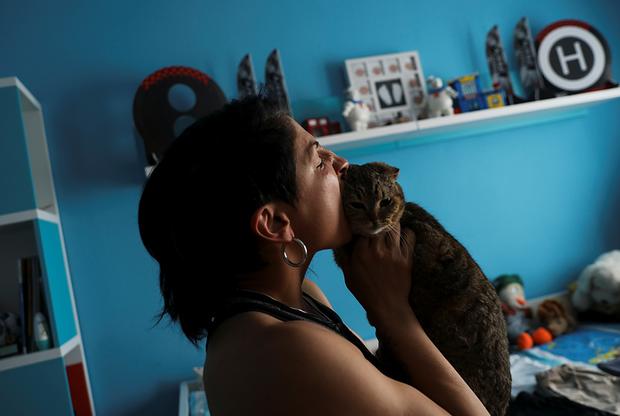Гутьеррес говорит, что хочет быть примером для своих детей, поэтому она начала бороться за права женщин и занялась политической карьерой. Ее следующая цель— стать чемпионкой мира.