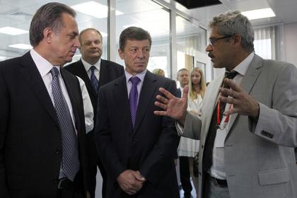 Григорий Родченков (справа)