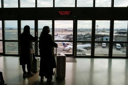 Пробитое шасси самолета привело к экстренной посадке и эвакуации пассажиров