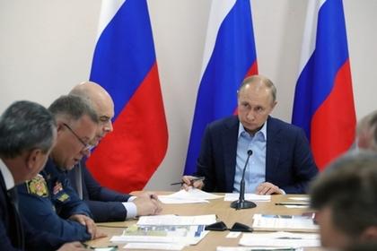 Путин задействовал армию для борьбы с наводнением