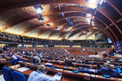 В ПАСЕ внесут резолюцию против возвращения России: Политика: Мир: Lenta.ru