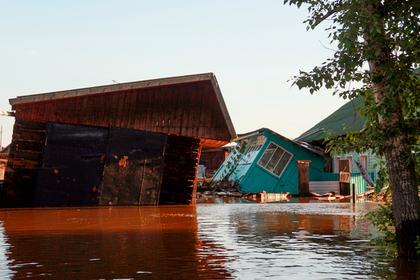 Число погибших во время паводка в Иркутской области выросло до 12