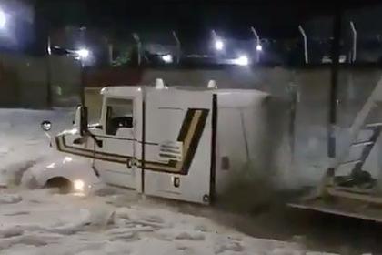 Последствия небывалого града в Мексике показали на видео: Происшествия: Мир: Lenta.ru