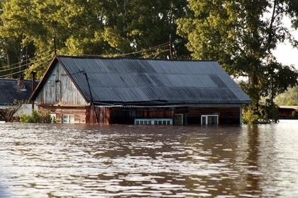 Число погибших из-за наводнения в Иркутской области вновь выросло: Общество: Россия: Lenta.ru