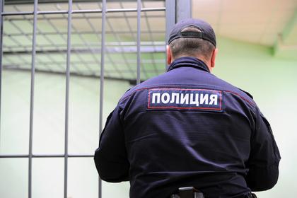 Бетонная плита упала с девятого этажа на биотуалеты и убила россиян