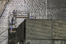 """Несмотря на кажущуюся надежность сооружения, нашлись эксперты, недовольные новой защитой над 4-м реактором. В частности, Николай Карпан — заместитель главного инженера по науке и ядерной безопасности Чернобыльской АЭС в 1979-1986 годах, ликвидатор аварии на станции и автор нескольких книг о ней — еще в 2013 году <a href=""""https://www.dw.com/ru/эксперт-новый-саркофаг-над-чаэс-это-большой-обман/a-16597214"""" target=""""_blank"""">заявлял</a>, что возведение нового саркофага над ЧАЭС не решит проблемы с защитой окружающей среды от радиации.<br><br>«Новый саркофаг — это большой обман, я давно об этом говорил и писал, — сетовал эксперт. — Конфайнмент — это зонтик, защищающий от дождя и ветра, это негерметичное сооружение, которое не решает задачи обеспечения радиационной безопасности»."""