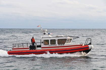 В Черном море перевернулось прогулочное судно