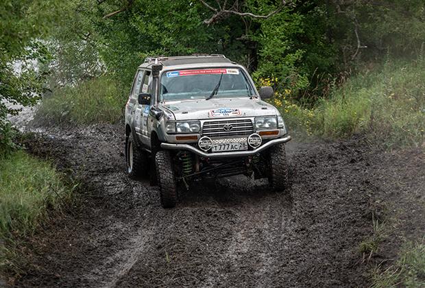 Toyota Land Cruiser (Open class)