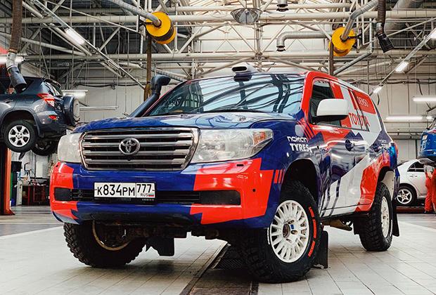 Toyota Land Cruiser 200 (class T2)