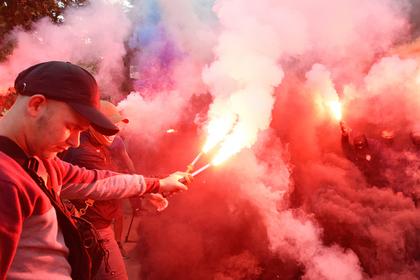 NewsOne назвал запугиванием акцию протестующих у редакции в Киеве
