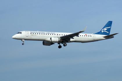 Пассажирский самолет экстренно сел в Калуге из-за потерявшего сознание пилота