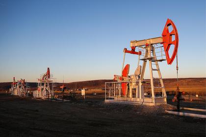 Российская нефть обесценилась: Рынки: Экономика: Lenta.ru