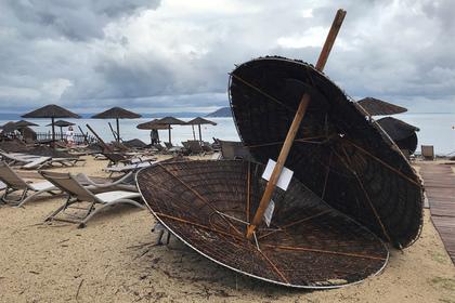 Очевидица описала убивший двух россиян в Греции ураган: Происшествия: Путешествия: Lenta.ru